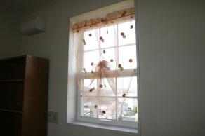 小窓スタイルカーテンの事例