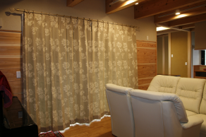 おおらかさと品格のある綿麻カーテン