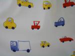 子供部屋(キッズルーム)に車の柄のカーテンでコーディネイト