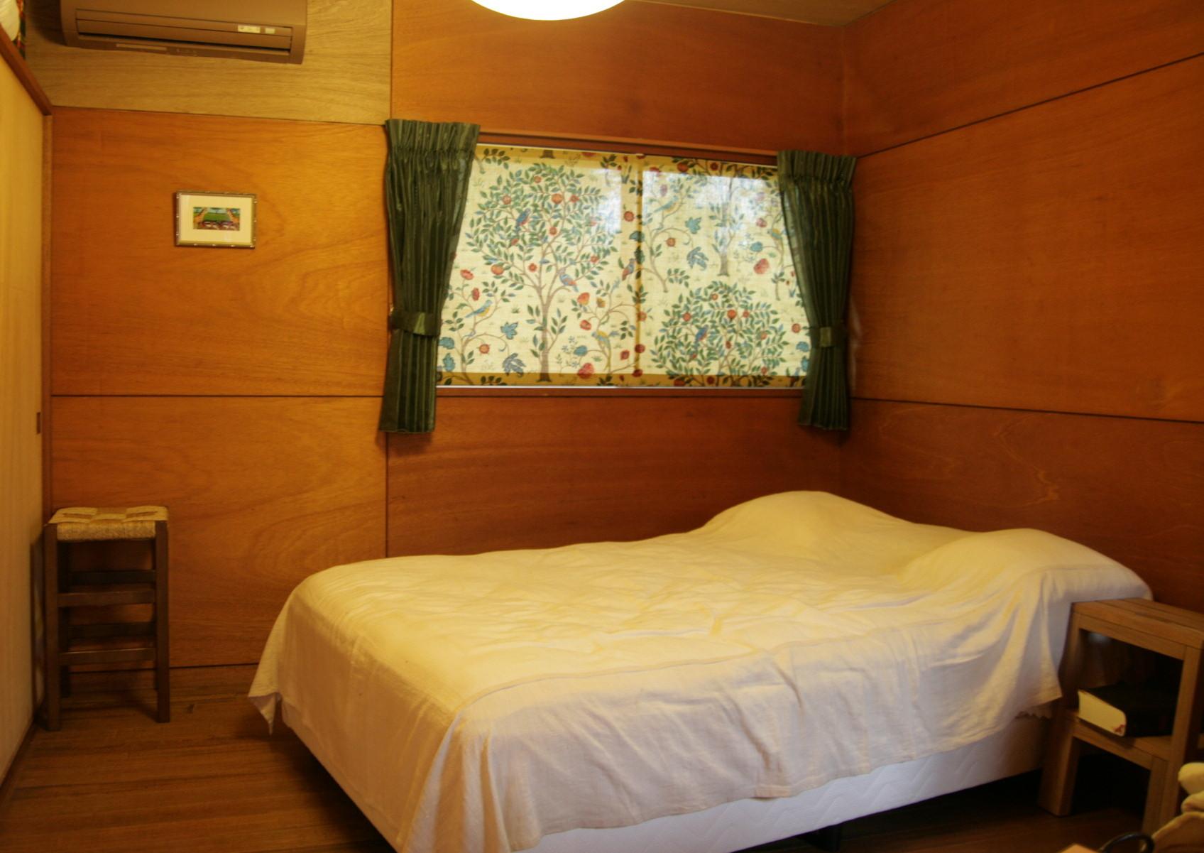 タペストリー的なカーテン