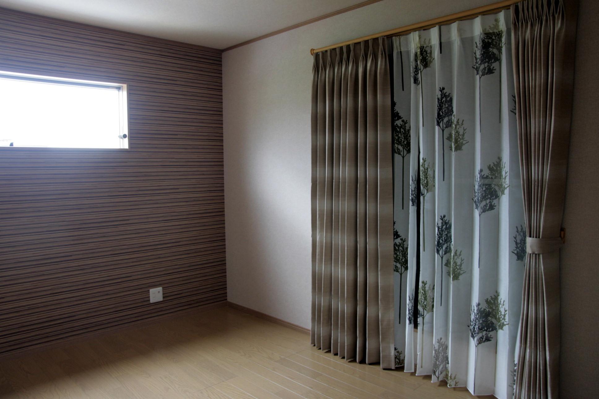 寝室のカーテンプラン