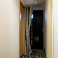 玄関の寒さ対策 ハトメカーテン