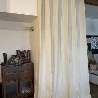 リビング階段の寒さ対策に瀬戸内デニムカーテンハトメ仕様