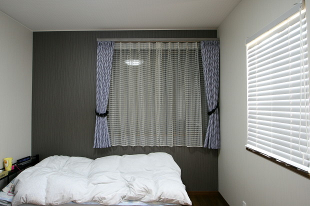 長男のカーテン