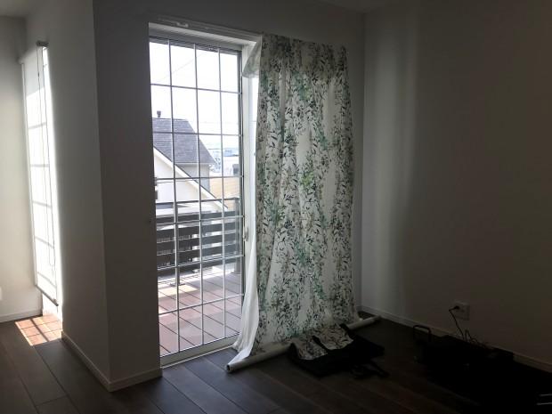 お部屋での試着とプロのアドバイスで、納得のいくカーテン選び