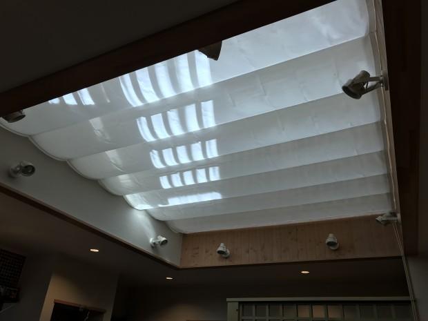 天幕カーテン紐引き