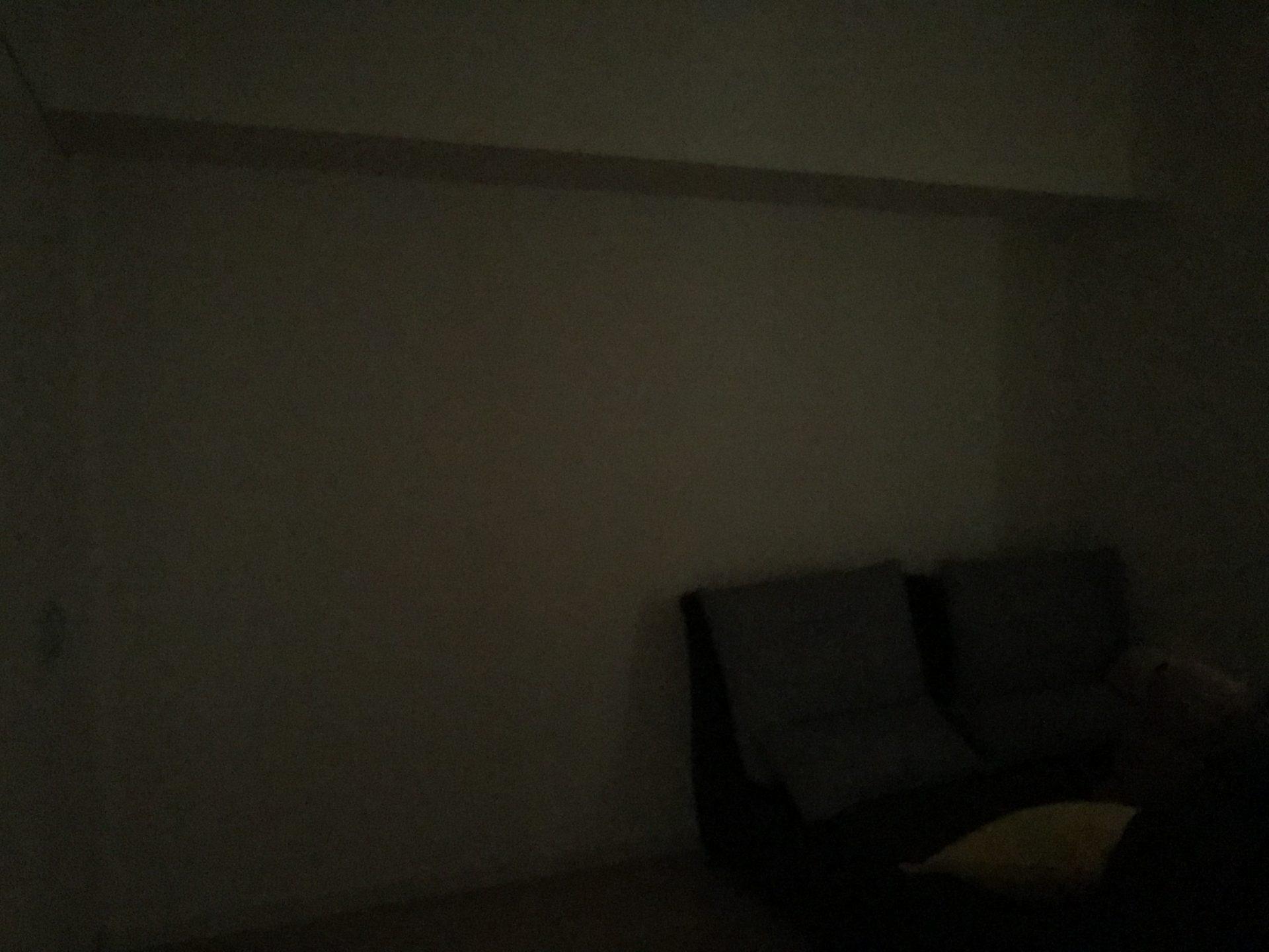 寝室の遮光1級Bの暗さ