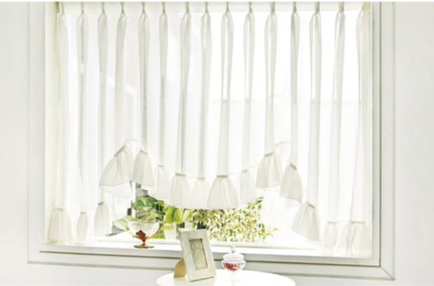 出窓のスタイルカーテン